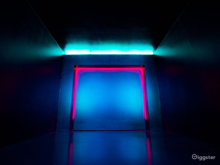 Next Level Black Cube | CreatorLA Photo 3