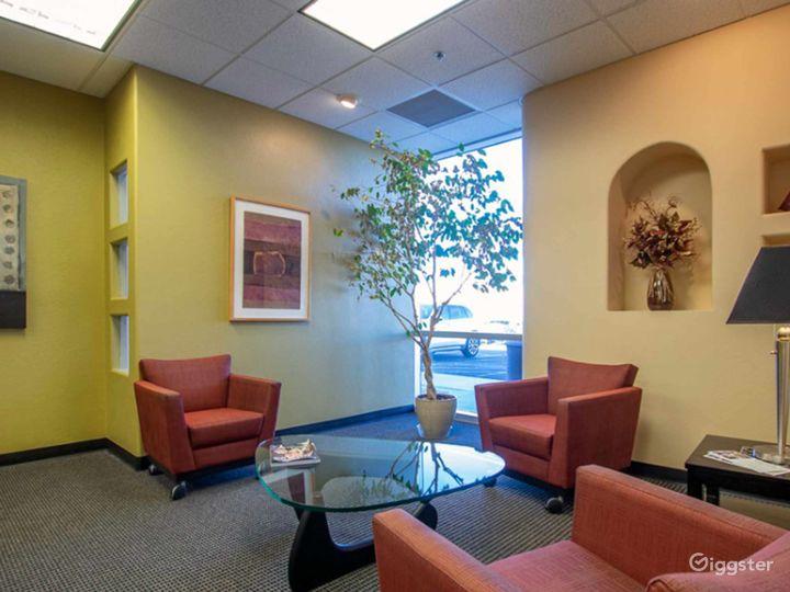 Contemporary Co-Working Wifi Lounge in Albuquerque Photo 5