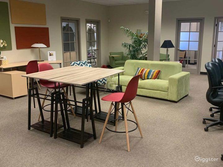 Contemporary Co-Working Wifi Lounge in Albuquerque Photo 4