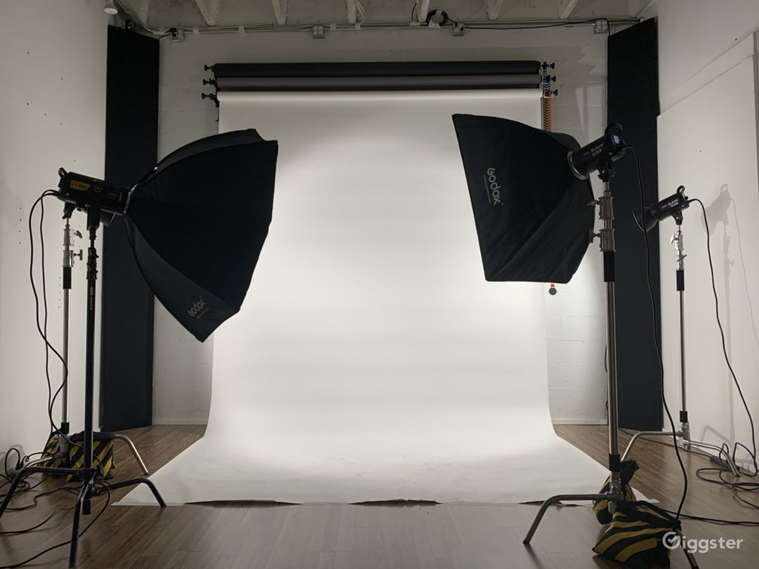 Affordable Photo & Video Studio in Heart of Miami  Photo 1