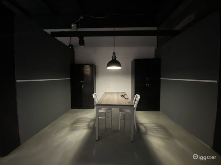 Photo/Video Studio  Creative Space   Standing Sets Photo 5