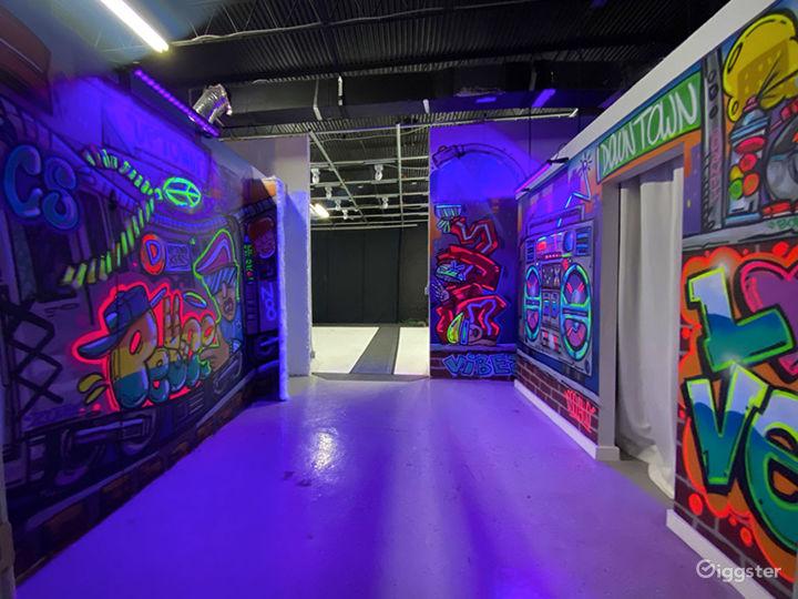 Photo/Video Studio  Creative Space   Standing Sets Photo 4
