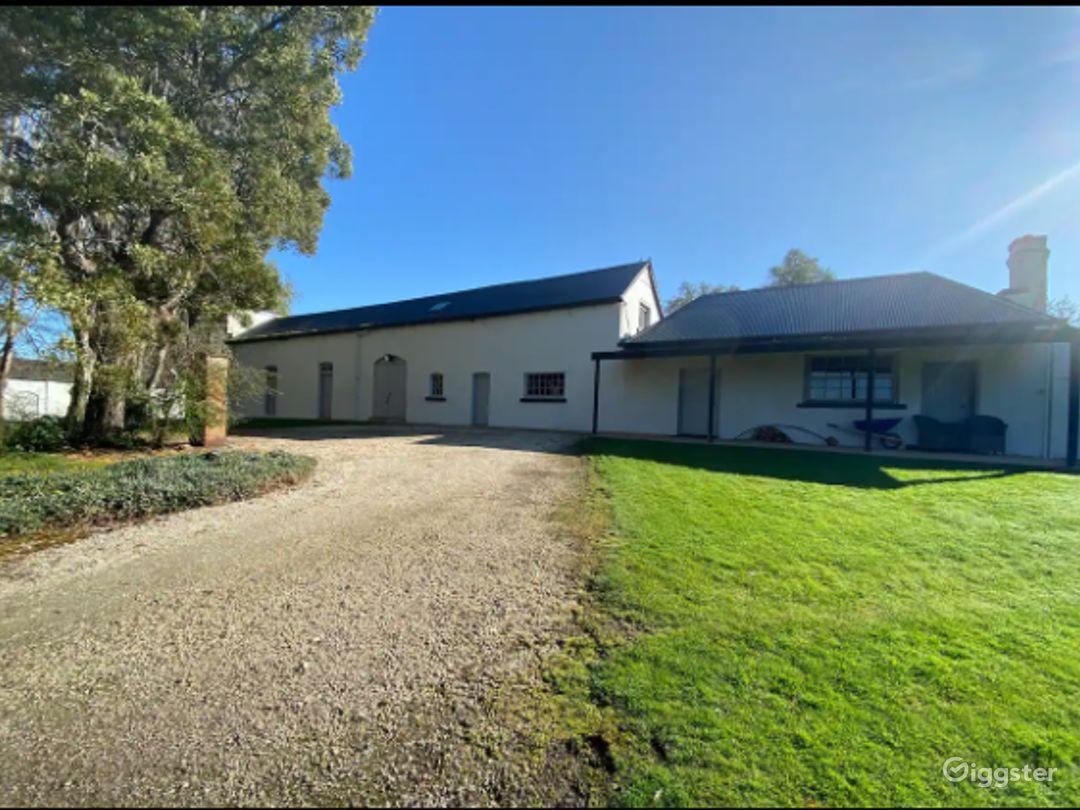 Coach House in Tasmania Photo 1