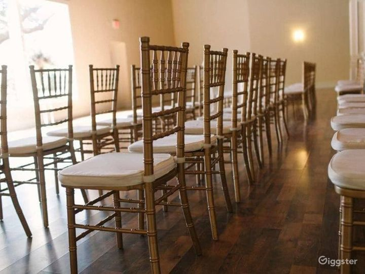 Charming Quartz Room in Richardson Photo 5