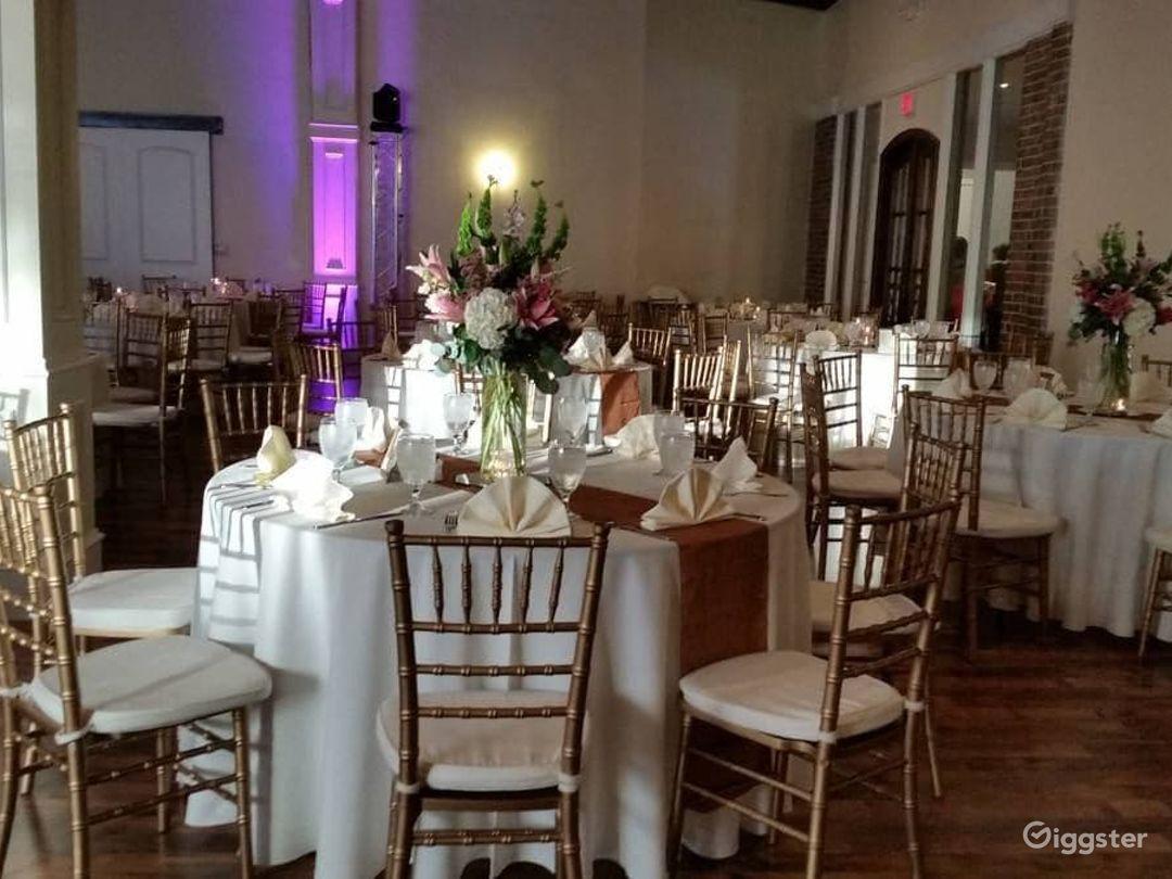 Charming Quartz Room in Richardson Photo 1
