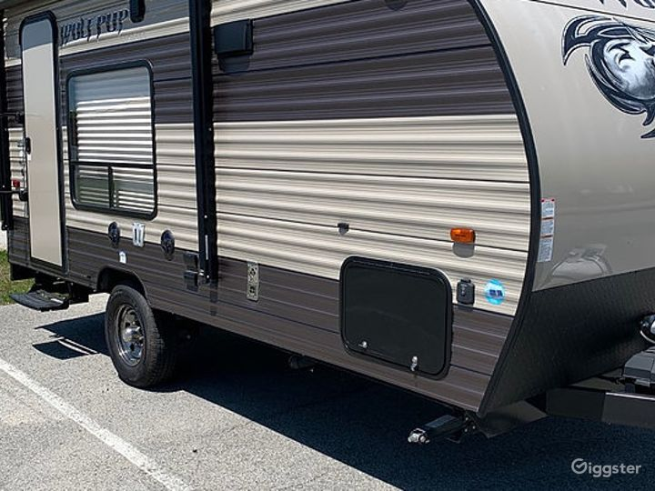 Simple and Lightweight 17sq ft 2016 Wolf Pup Recreational Vehicle Photo 4