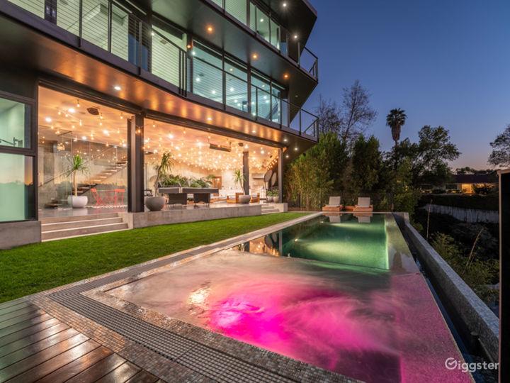 Modern Architecture Hollywood Gem Photo 2