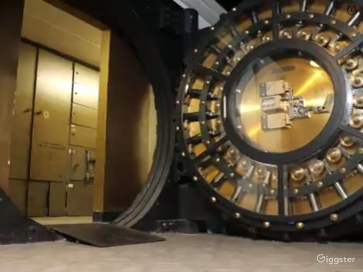 LUXURY BUILDING DOWNTOWN ATLANTA WITH A VAULT