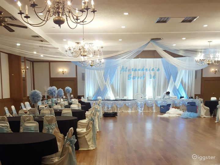 Warm and open banquet hall