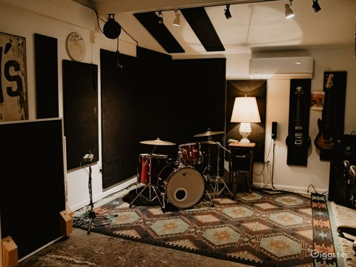 Audio Production Studio Photo 5