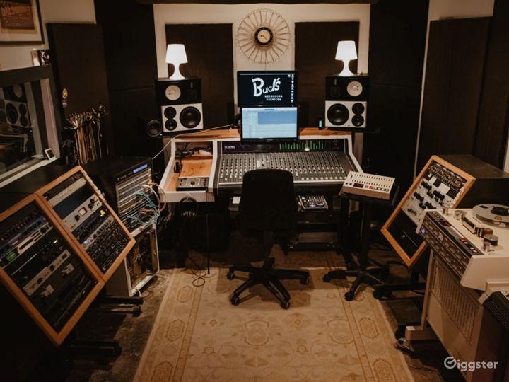 Audio Production Studio Photo 4