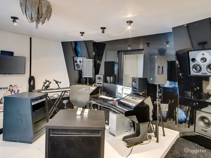 1 Recording Studio