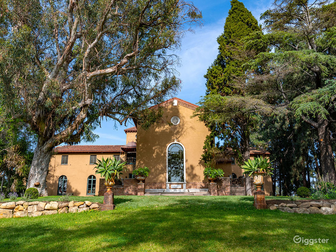 Silverlake Mansion Photo 3
