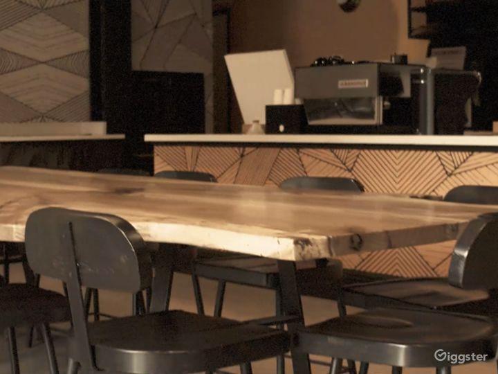 Beautiful Upscale Afro Modern Coffee Shop / Rest. Photo 3