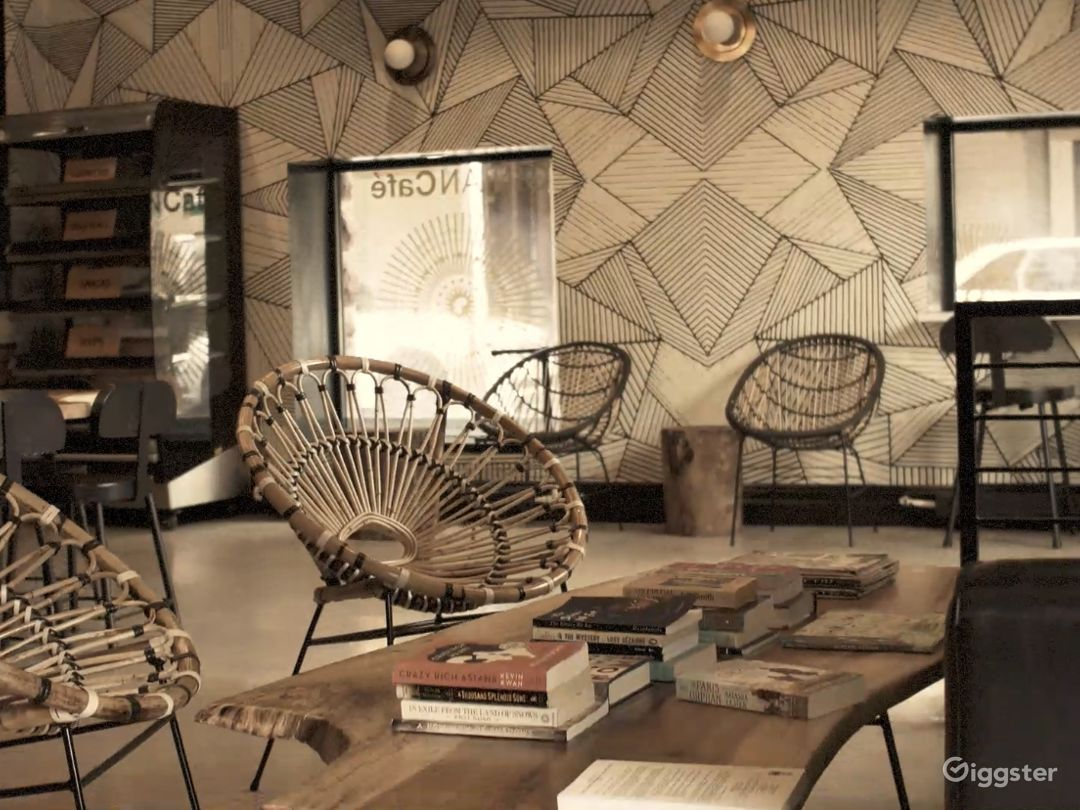 Beautiful Upscale Afro Modern Coffee Shop / Rest. Photo 1