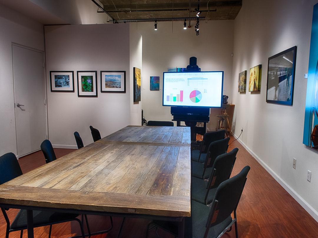 Art Gallery with Open Floor Plan Photo 5