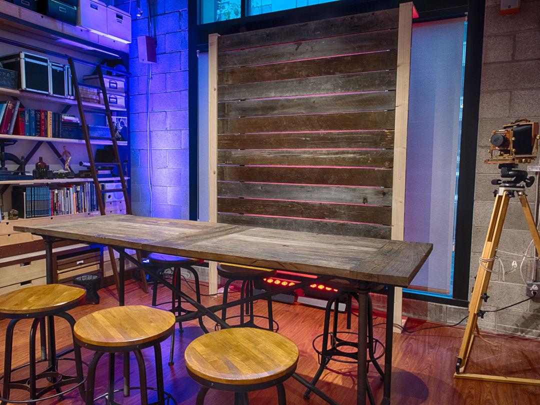 Art Gallery with Open Floor Plan Photo 2
