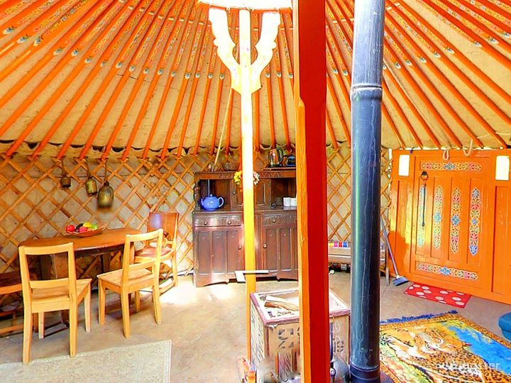 Orchard Yurt in East Grinstead Photo 5