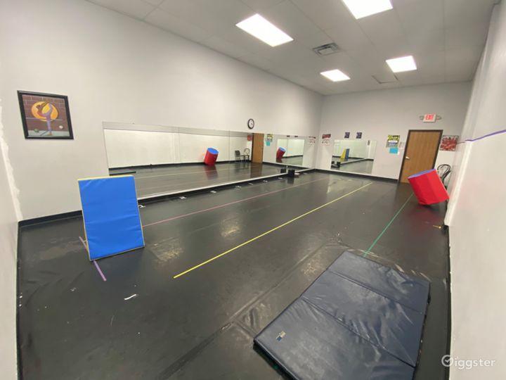 Dance Studio in Oak Park, MI Photo 2