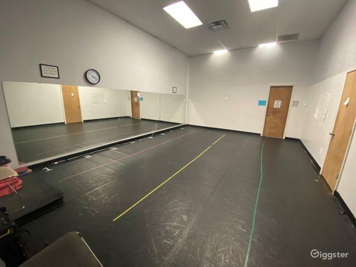 Dance Studio in Oak Park, MI Photo 5