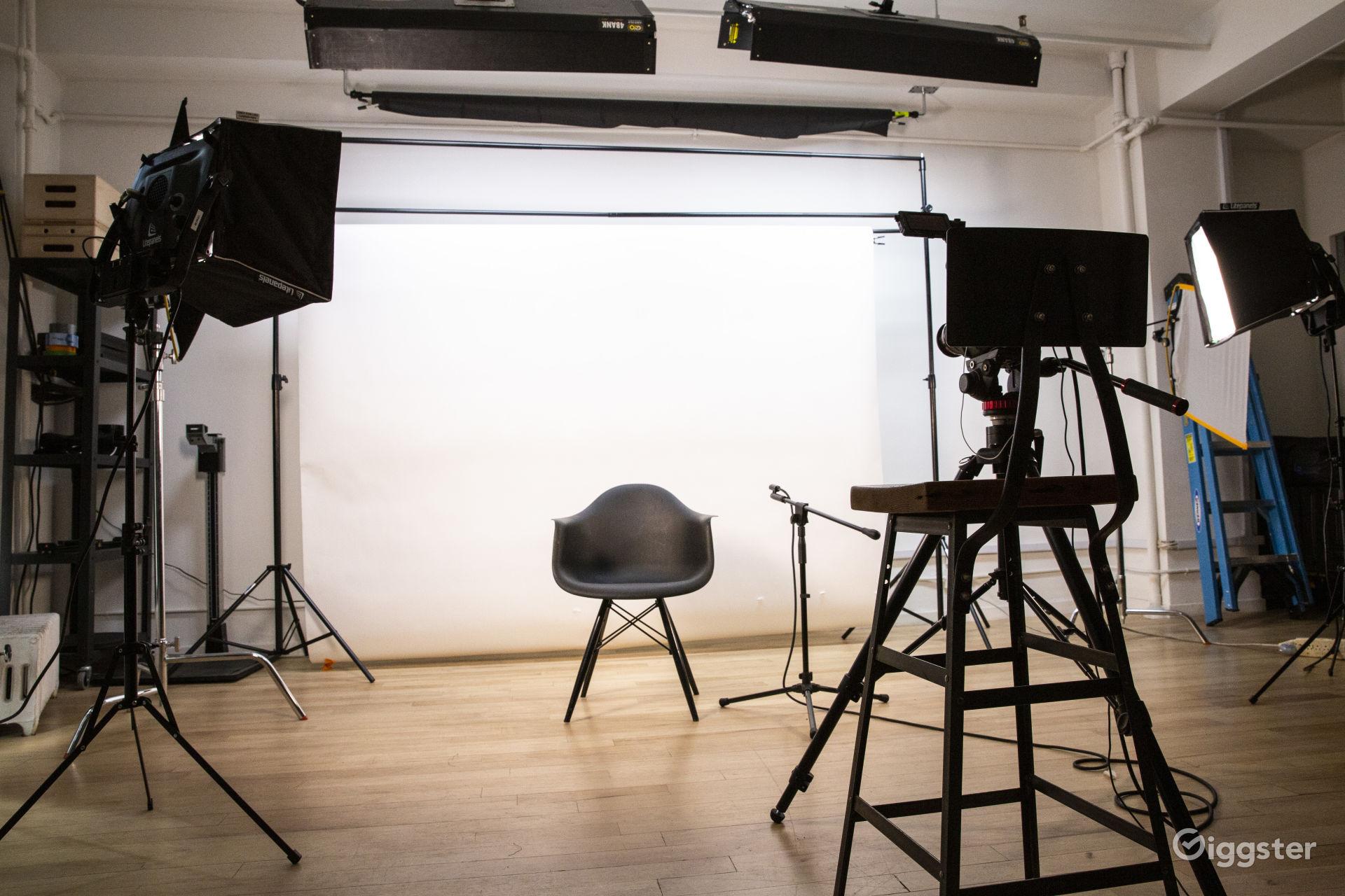NYC Studio, College Student Rates Photo 1