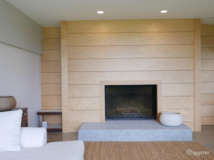 Modern/contemporary home: Location 5282 Photo 4