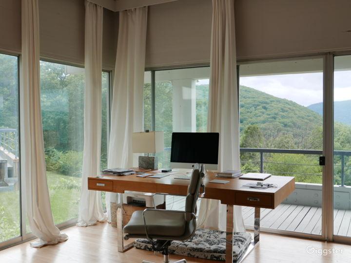 Modern/contemporary home: Location 5282 Photo 2