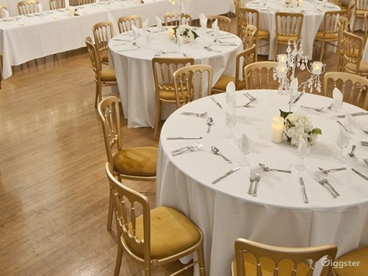Elegant and Palatial Bridewell Hall in London Photo 5