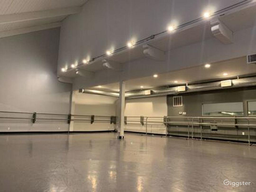 Large Dance Studio III in Woodland Hills Photo 1
