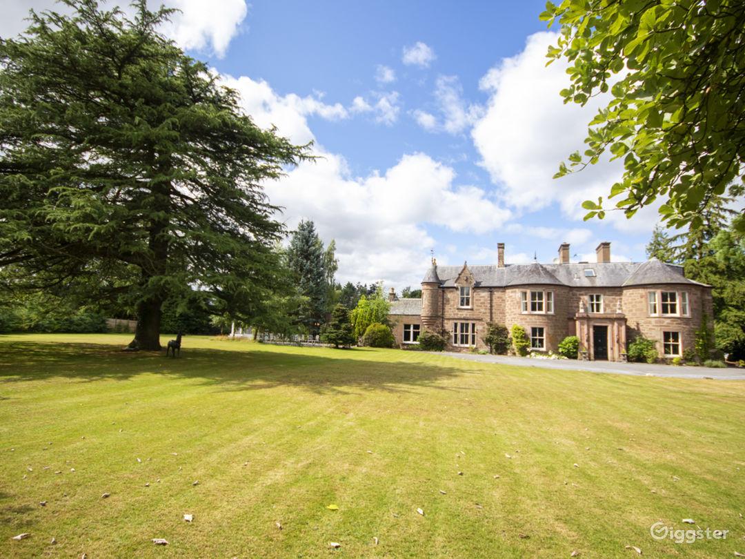 Exclusive Use 18 En-suite Georgian Manor in Blairgowrie Photo 1