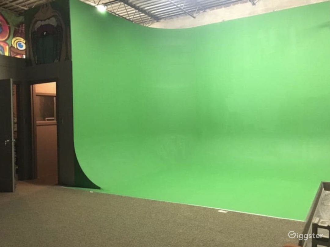Industrial audio and video studio in Chicago Photo 2