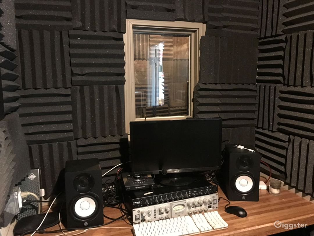 Industrial audio and video studio in Chicago Photo 4