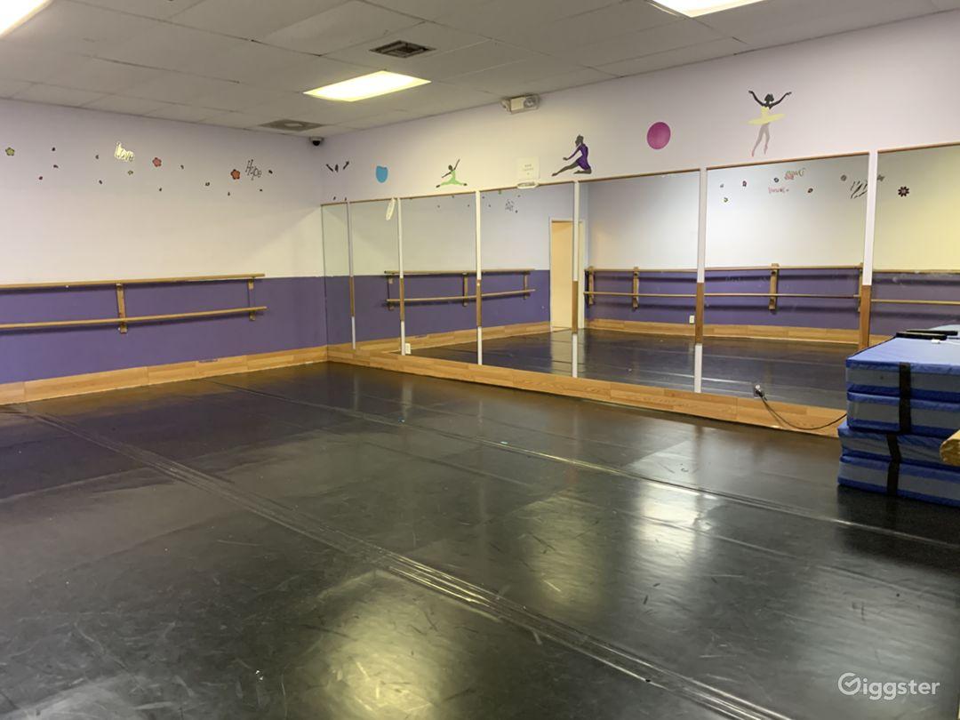 Traditional Dance Studio Photo 1