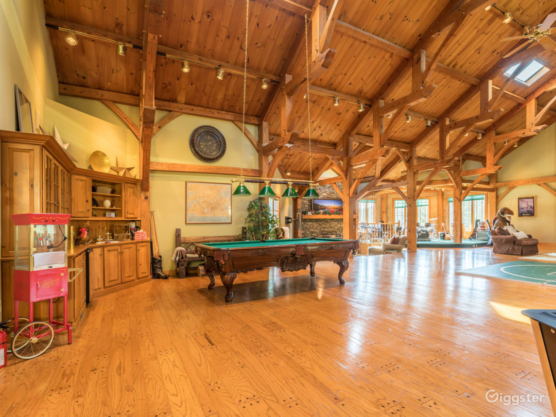 Huge Lodge-Style Mansion 40 minutes From NYC, With Lake, Forest And Fields Photo 5