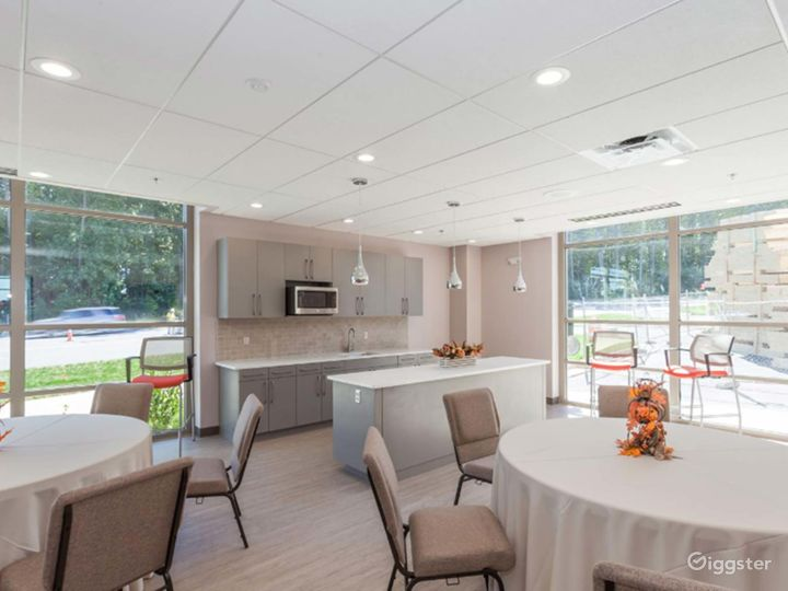Cascades Overlook Event Center - Functional Executive Dining Room Photo 3