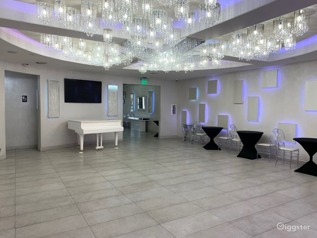 Elegant Glam Ballroom Photo 2