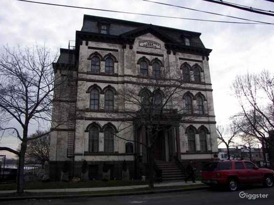 Historic school building: Location 3316 Photo 1
