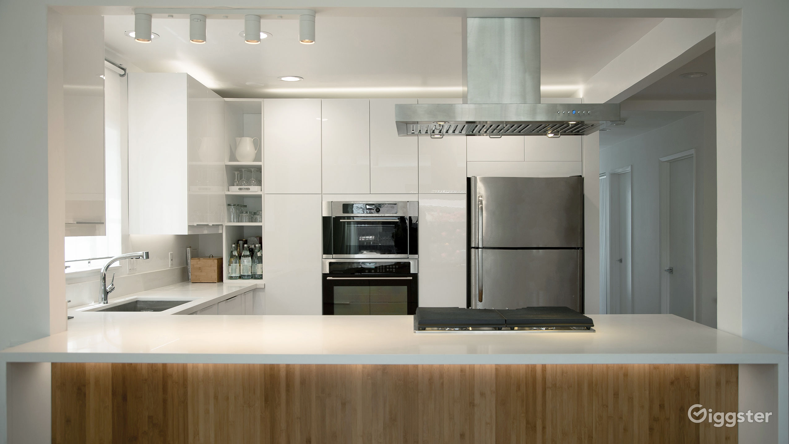 Modern Open Kitchen Living Room And Dining Rent This Location On Giggster
