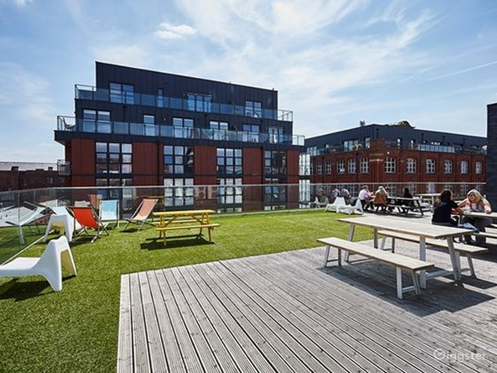 Roof Terrace in Manchester Photo 4