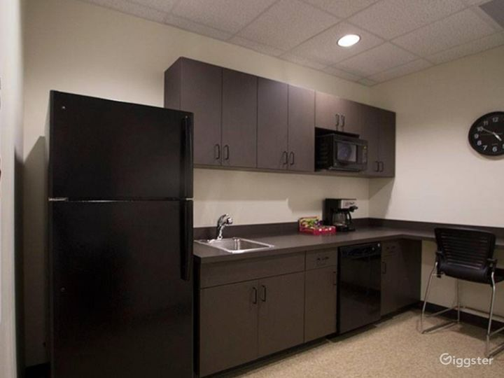 Private Executive Office 1504 Photo 4