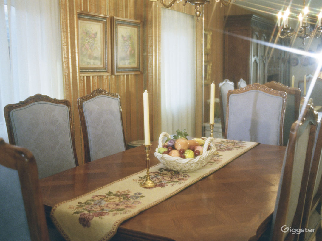 Unrenovated 70s Home- Wallpaper, Carpet & Paneling Photo 4