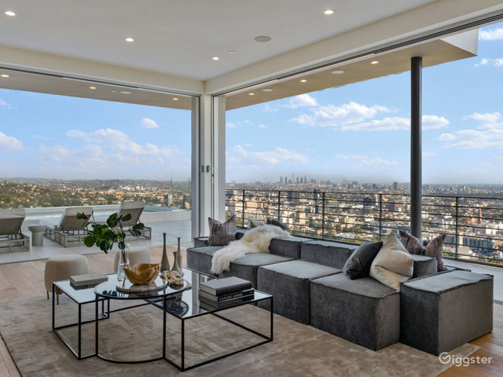 Hollywood Hills Home with Panoramic View Photo 5