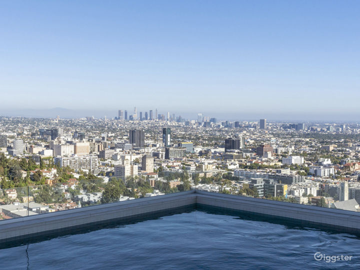 Hollywood Hills Home with Panoramic View Photo 3