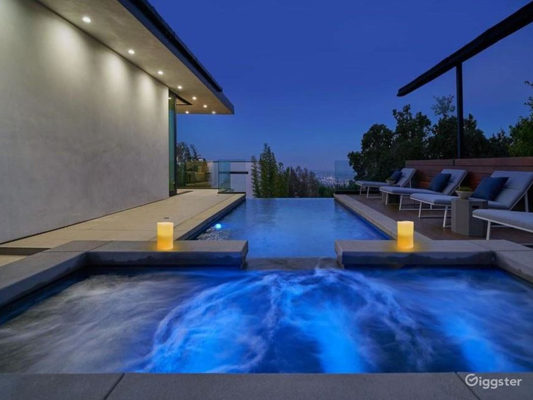 Hollywood Heights Estate Photo 5