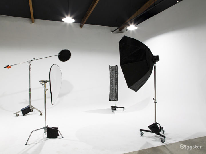 Contemporary Studios & Events Place in Phoenix Photo 5