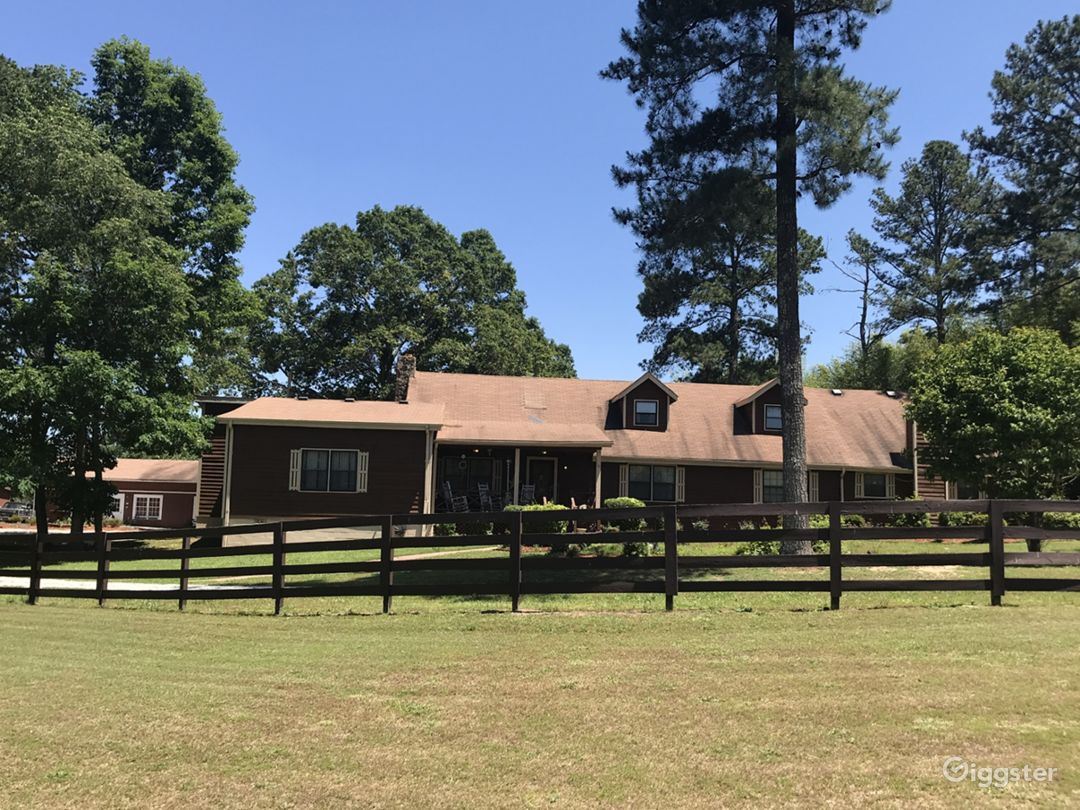 Spacious 7-acre Updated Ranch  Photo 1