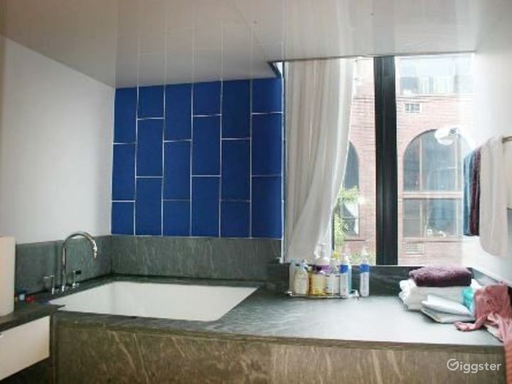 Modern townhome in Greenwich Village:Location 4125 Photo 3