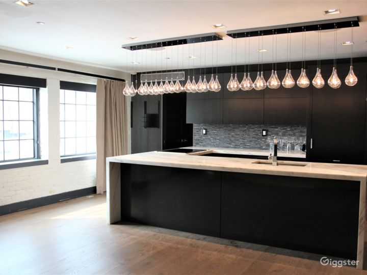 Bright Designer Loft with Staging Kitchen in LES Photo 3
