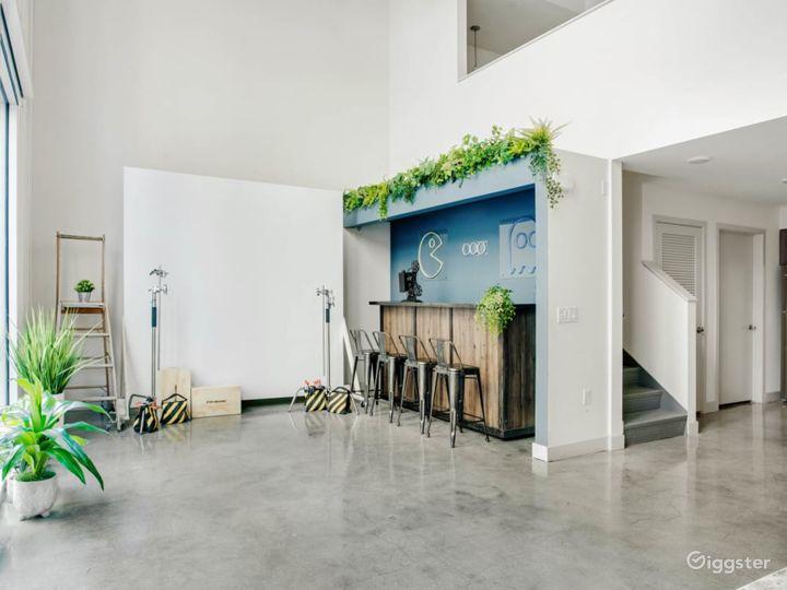 Versatile creative loft w/ movable backdrop/cyc Photo 4
