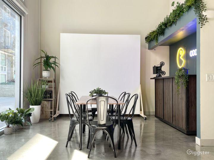 Versatile creative loft w/ movable backdrop/cyc Photo 2